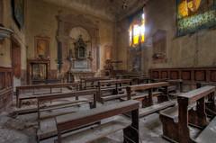 Church  with cloister (Italy)  (6) (Arno G) Tags: church eglise abandonn abandon decay dsaffect urbex explorationurbaine exploration cloister clotre pentax sigma1020mmf35exdchsm italy hdr poussire