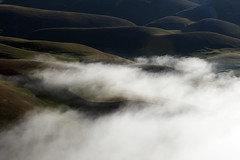 ...low clouds (Lucky Lu62) Tags: castellucciodinorcia paesicitt