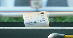 "Die Fahrkarte. Die Fahrkarten. Hier klemmt eine Fahrkarte im Fenster. • <a style=""font-size:0.8em;"" href=""http://www.flickr.com/photos/42554185@N00/29803501233/"" target=""_blank"">View on Flickr</a>"