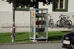 The small street library in St Johann in Tirol (harald.bohn) Tags: affof 2016 kitzbhel alpene sterrike libariesandlibrarians library bibliotek austria