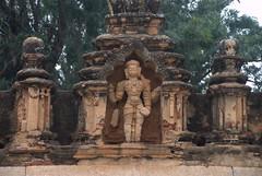 Terracotta god on the corridor lining the sacred tank (VinayakH) Tags: bhoganandeeshwaratemple karnataka india temple nandihills chikkaballapura chola ganga hoysala tipusultan religious historic