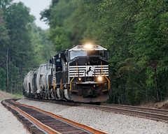 Norfolk Southern southbound at Gretna (tonyadcockphotos) Tags: ns2639 norfolksouthernrailroad norfolksouthern trains locomotive