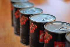 tins (Hayashina) Tags: tomato tin macromondays inarow