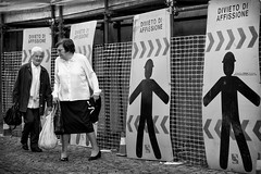 Agli (gilbertotphotography.blogspot.com) Tags: italy italia agli piemonte piedmont torino fujifilm fujinon fujixe2s x biancoenero blackandwhite street strada streetphotography life vita people gente persone person fotodistrada
