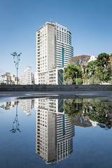 Reflection (Guilherme Nicholas) Tags: pracaroosevelt sp so paulo brasil street streetphotography reflection reflect building