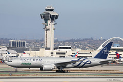 Special Livery, Alitalia - SkyTeam, Boeing 777-200ER (Ron Monroe) Tags: alitalia skyteam boeing 777 lax klax airliners airlines eiddh