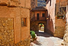 (yonca60) Tags: albarracin spain street interstingplaces calle house casa oldtowns