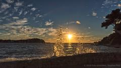 Wasser und Sonne (Foto-Unlimited) Tags: balearen europa mallorca meer santa ponsa sonnenuntergang spanien splash wasser