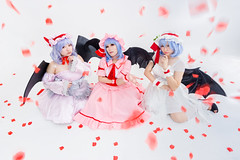 Remilias (bdrc) Tags: asdgraphy remilia scarlet touhou project mico ximilu natsumi cupcat studio white space rose petals vampire wings sony a6000 tokina 1116 ultrawide cosplay portrait girls group