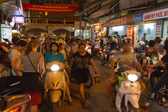 Hanoi night traffic (Jos van der Heiden) Tags: travel canon scooter vietnam hanoi canonefs1022mmf3545usm canoneos7d
