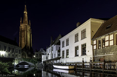 Bruges at night (Joe Panter) Tags: joepanter bruges belgium europe canon canon7dmkii beautiful amazing night nightime urban street stone architecture beauty reflection river water boats boat slowshutterspeed shadows light lights landscape landscapes photography streetphotography churchofourlady