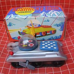 COSMIC TANK (CSSR) (streamer020nl) Tags: toys tank czech prague praha windup 1980 cosmic blik blech jouets tinplate cssr ceskoslovensko kosmicky opwindbaar jiskrizy