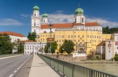 Passau, Dom, Innbrcke (bayernphoto) Tags: passau bayern niederbayern donau inn ilz dom 3 drei fluesse river cruise flusskreuzfahrt katholisch ausblick panorama schiff heilige bunt farbig altstadt stadtkern details bavaria danube blauer himmel sonnig sommer sunny