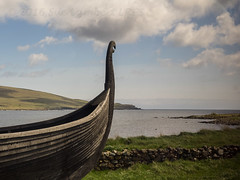 Viking times remembered (Nanooki ʕ•́ᴥ•̀ʔっ) Tags: scottishisles haroldswick scotland unitedkingdom gb unst longboat viking fetlar shetlandislands
