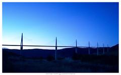 Viaduc de Millau (Photographe-Nature) Tags: europe france aveyron architecture viaduc viaducdemillau nikon ciel etoiles bleu matin