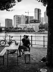 Hug (graveur8x) Tags: candid couple hug love streetphotography blackandwhite street city cityscape monochrome two river water summer woman man frankfurt germany deutschland paar schwarzweis people outdoor olympus olympusem10markii lumix 20mm pancake microfourthirds m43 lumixg20mmf17 panasonic