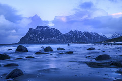 Utakleiv (FotoRoar2013) Tags: 2016 fotoroar2013 canon sea seascape sj water winter weather waves atmosfre atmosphere atmosfera atmosphre acqua blue blatt blusky beach coast eau hav interesting ice januar lofoten lee moody mountain mystery norway norwegen noruega norge norvegia nature natur nordland norvege norwege outdoor ocean photography rc reflection romantic reflections riflettori rflecteurs reflectores vinter vann