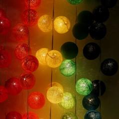 Carr  ronds (Et si, et si ...) Tags: boules couleurs formatcarr