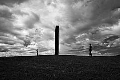 Ombre del Vento (FufBea) Tags: nuvole maurostaccioli art sculpture scultura vento wind toscana tuscany volterra tondi italy italia staccioli clouds people fields