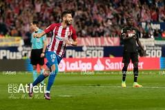 Atltico de Madrid (7-1) Granada (Esto es Atleti) Tags: temporada201617 atleti atleticodemadrid goleadora granada hattrickcarrasco jornada8 vicentecalderon diadelaspeas carrasco celebracion