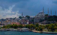 Estambul (DrAzteca) Tags: agua arboles asia barcos centrosreligiosos cielo edificio edificiocomercial estambul mar mezquita nubes nublado puerto transportemartimo turqua
