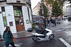 DSC_5427 Shoreditch London Great Eastern Street L Learner Rider Failing to Stop at Traffic Light (photographer695) Tags: scooter shoreditch london it should be noted that new traffic light system is very confusing