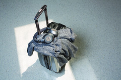 BackBeatPRO2_Graphite_Grey_Luggage_print_cmyk (plantronicsgermany) Tags: backbeatpro2 graphitegrey luggage blur