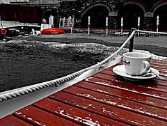 Un caff al mare (lory6093) Tags: caff mare bar coloreselettivo