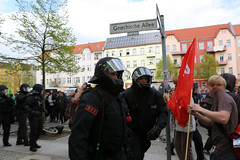 1.Mai 2013 Schneweide Antifa Aktion IMG_8804 (Thomas Rassloff) Tags: copyright berlin demo fotograf photographer thomas nazi protest picture pyramide rossi gegen aktion antifa sitzblockade schneweide 2013 rassloff