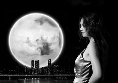 Moonlight lady (zhongjianren76) Tags: