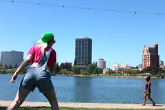 Frisbee (johnjohnbobon) Tags: park trip family lake fun oakland picnic roommates heather lakemerritt merritt
