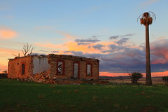 The Palm House (Darren Schiller) Tags: sunset abandoned farmhouse rural ruins disused southaustralia derelict decaying disappearing midnorthsouthaustralia