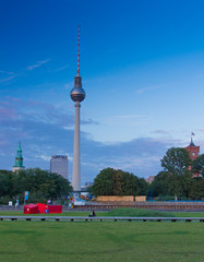 Fernsehturm Evening II (Paul 'Tuna' Turner) Tags: city travel vacation holiday berlin tower architecture germany deutschland europe eu landmark german alexanderplatz fernsehturm mitte tvtower europeanunion eastberlin deutsch transmitter televisiontower telespargel capitalcity tvasparagus