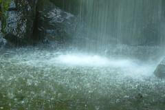 Le rideau d'eau. (Dik) Tags: en nature de eau images ciel archives nuages et sensations plaisir vasion mots lt rverie partage traverse ambiances lments dike