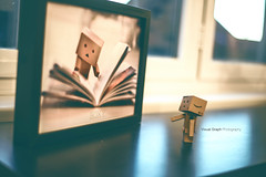 The aventures of Boxy (céline._.photographie) Tags: danbo danboard japanese toys amazon amazing figure 18 50mm nikon nikond600 photo photography photographie photographer cute passion light