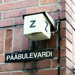 zZ Pbulevardi (neppanen) Tags: sampen discounterintelligence helsinki helsinginkilometritehdas suomi finland piv55 reitti55 pivno55 reittino55 ppulevardi kadunnimi p bulevardi