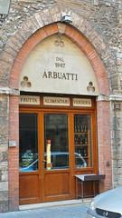 NARNI - Antichi mestieri in antiche dimore (Carlo Arrigoni) Tags: carloarrigoni ekgc100 2016 umbria narni italy italia karlosimo karlo57 mestieri vetrina