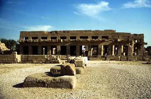 "Ägypten 1999 (325) Karnak-Tempel: Akh-menu des Thutmosis III. • <a style=""font-size:0.8em;"" href=""http://www.flickr.com/photos/69570948@N04/29032933861/"" target=""_blank"">View on Flickr</a>"