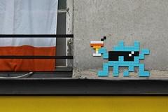 Invader_6992 Paris 11 (meuh1246) Tags: streetart paris invader spaceinvaders mosaque ruedecharonne paris11 lunettesnoires