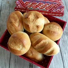 Petit Pains au lait (Levine1957) Tags: brood bread broodjes buns baking