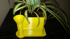 Side Watering Planter (jheaneyphotos) Tags: 3d printing pla fdm makerbot planter flowerpot