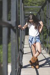 Claudia - 05 (G. Goitia) Tags: foco focus enfoque desenfoque gente airelibre color framing encuadre lneas lines compo composicin nia chica girl modelo model modeling rfeportaje book luz light sinflash iluminacinnatural luzambiental luznatural
