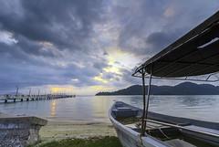 abandon boat - Jerejak Jetty (<Pirate>) Tags: jerejak jetty sunrise october 9th 2016 colors sea water boat island resorts rock nature landscape waterscape wonderful penang long ecposure haida nd30 nd 10stop pro glass gnd 6hard bayan lepas malaysia