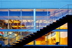 La piscine. Chinon (jjcordier) Tags: piscine clairage graphisme chinon centre escalier