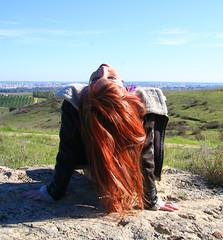 (GeekCriiz) Tags: park parque winter red camp españa woman cold hair sevilla mujer spain rojo december head models modelos seville redhead cabeza campo otoño invierno redhair mujeres frio pelirroja diciembre pelo 2012