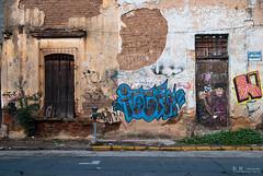 En Camarena (raulmacias) Tags: old calle grafiti guadalajara amanecer adobe antiguo humedo abandonado parquimetro camarena horaazul raulmacias httpwwwraulmaciascommx