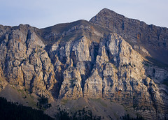 Esquerdes i ombres / Shadows in the cliffs (SBA73) Tags: catalunya catalonia catalogne catalogna katalonien catalua   mountain pirineus pirineos pyrenees cerdanya cad range wall mighty huge large muntanya montaa spectacular estiu summer cliffs estana