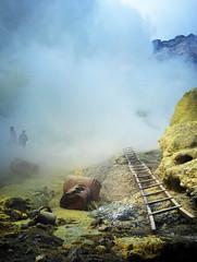 java - ijen (peo pea) Tags: ijen volcano vulcano indonesia giava java crater cratere reportage leica leicaq sulfur zolfo mine miners hard work