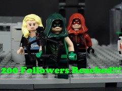 200 Followers!!! (MrKjito) Tags: lego flickr 200 followers celebration arrow team freen red black canary dc comics photo comic cw roll out thank you