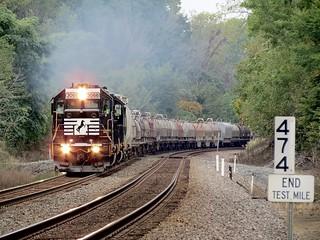 NS Chicago Line / BO8 MP 474 East